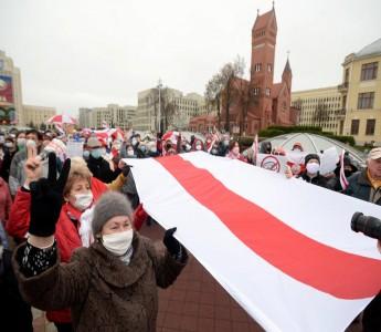 Belarusdakı çıxılmaz vəziyyətdən necə çıxmalı?