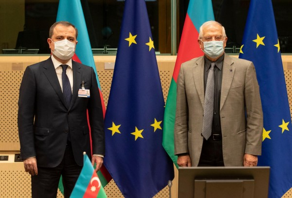 The EU's engagement with Azerbaijan: less for less or compartmentalize for more? A view from Baku
