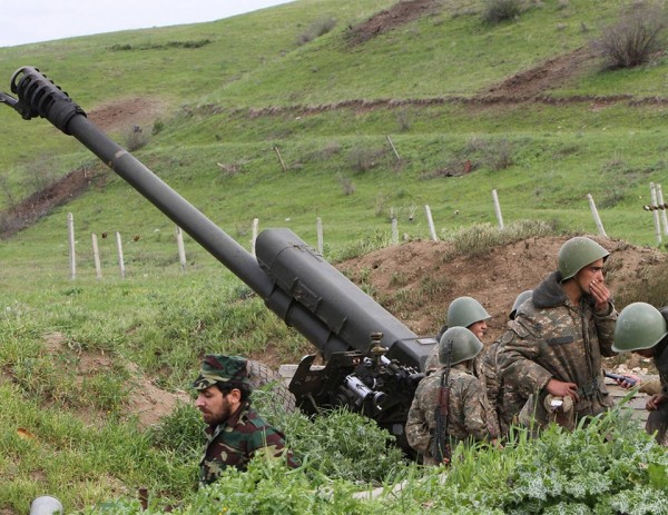 Several reasons why Baku should not be interested in provocation along the border with Armenia